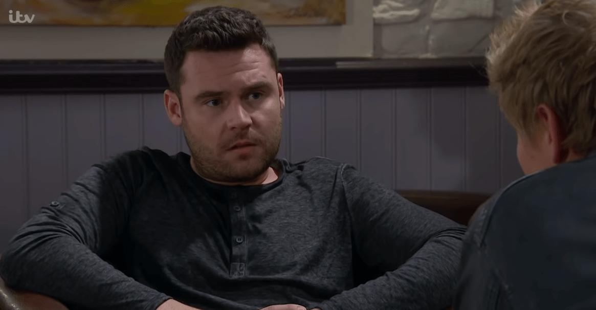 Aaron confesses to Robert in Emmerdale