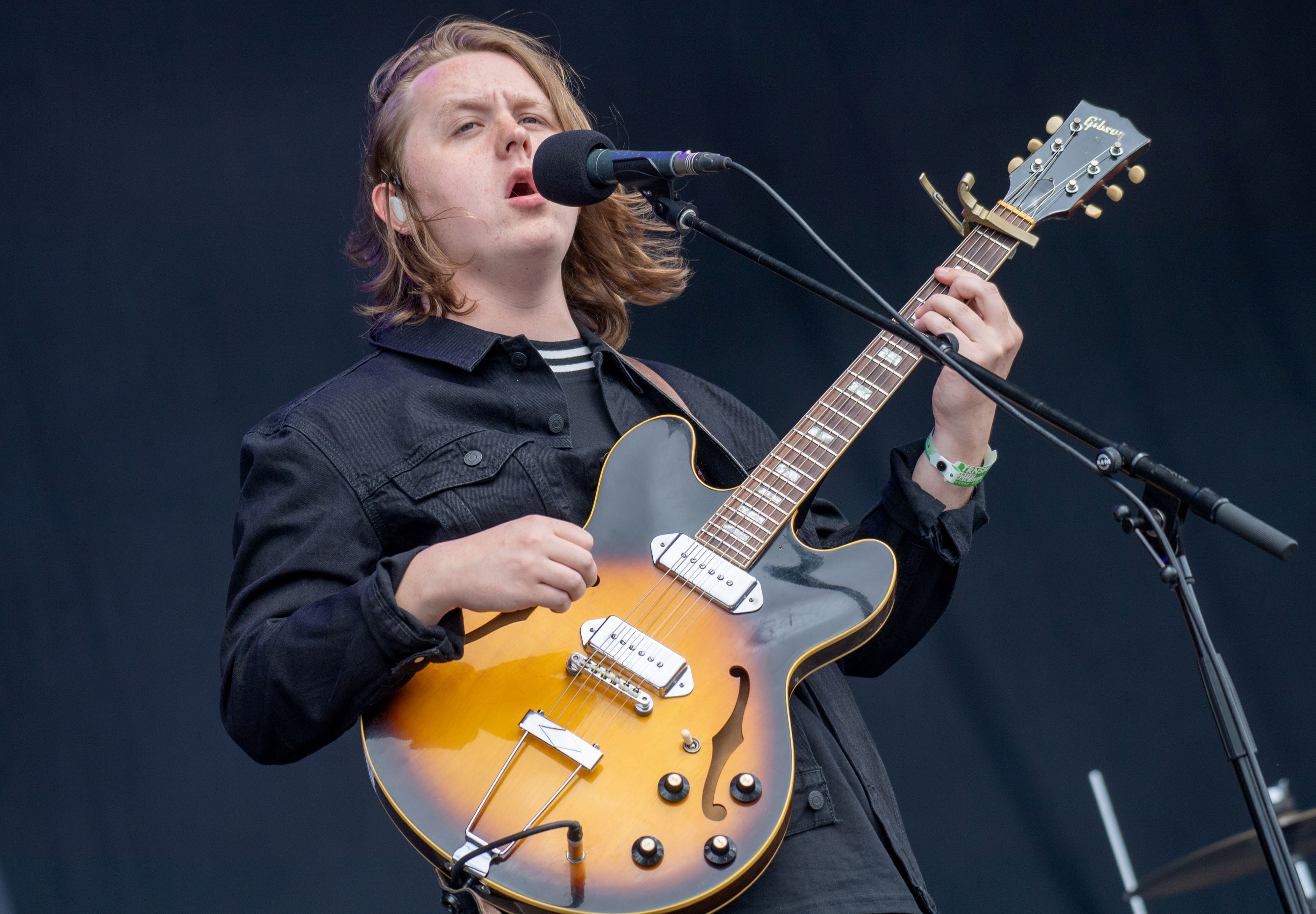 Lewis Capaldi on being a 'third wheel' with Niall Horan and Hailee Steinfeld