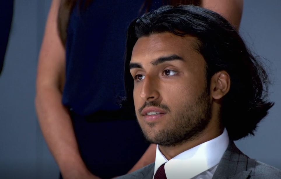 What was the airline owned by Apprentice candidate Kurran Pooni's dad?
