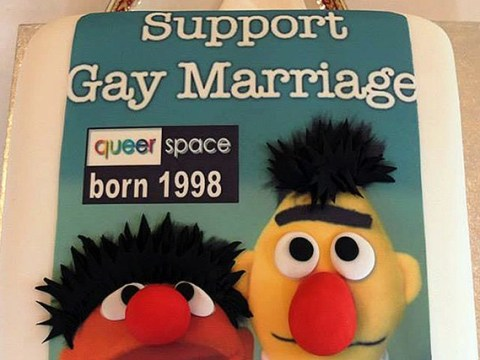Bakery at centre of 'gay cake' case is to close its Belfast branch