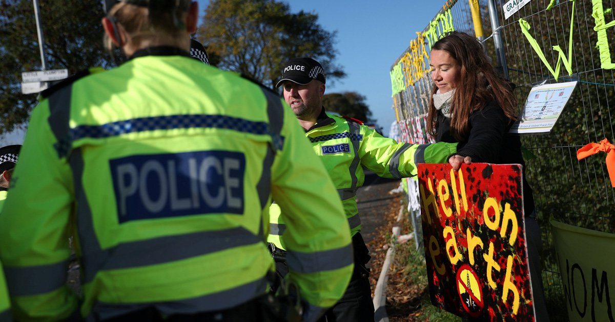 Fracking halted after earthquake strikes underneath site in Lancashire