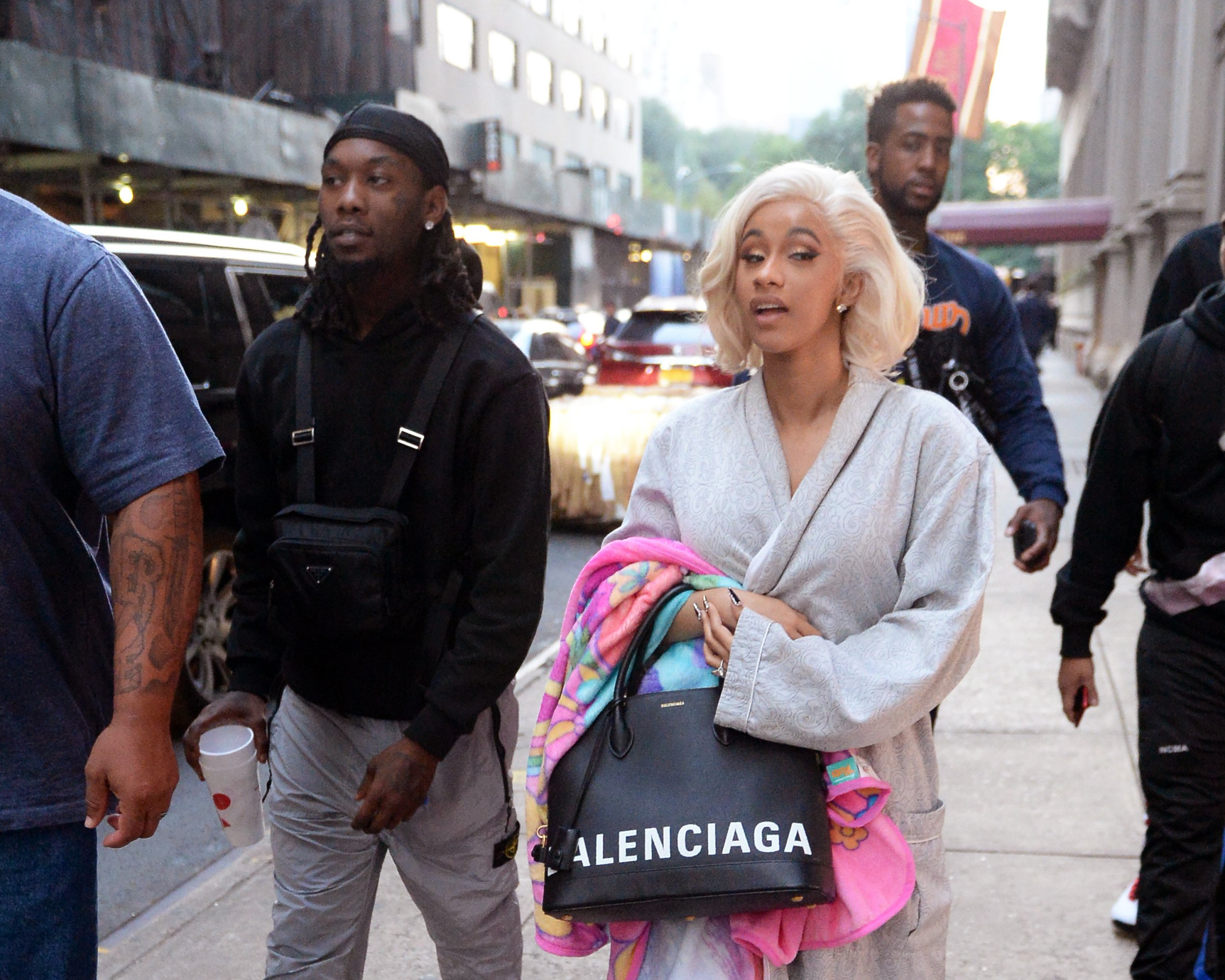 Cardi B and her husband Offset are photographed shopping at Barney's tonight in New York City just hours after Cardi B turned herself in to police. The rapper allegedly ordered an attack on two bartenders at Angels strip club in queens New York, because she believed one of the woman had slept with her husband, Offset. Pictured: Cardi B,Offset Ref: SPL5029760 011018 NON-EXCLUSIVE Picture by: Elder Ordonez / SplashNews.com Splash News and Pictures Los Angeles: 310-821-2666 New York: 212-619-2666 London: 0207 644 7656 Milan: +39 02 4399 8577 Sydney: +61 02 9240 7700 photodesk@splashnews.com World Rights, No Portugal Rights