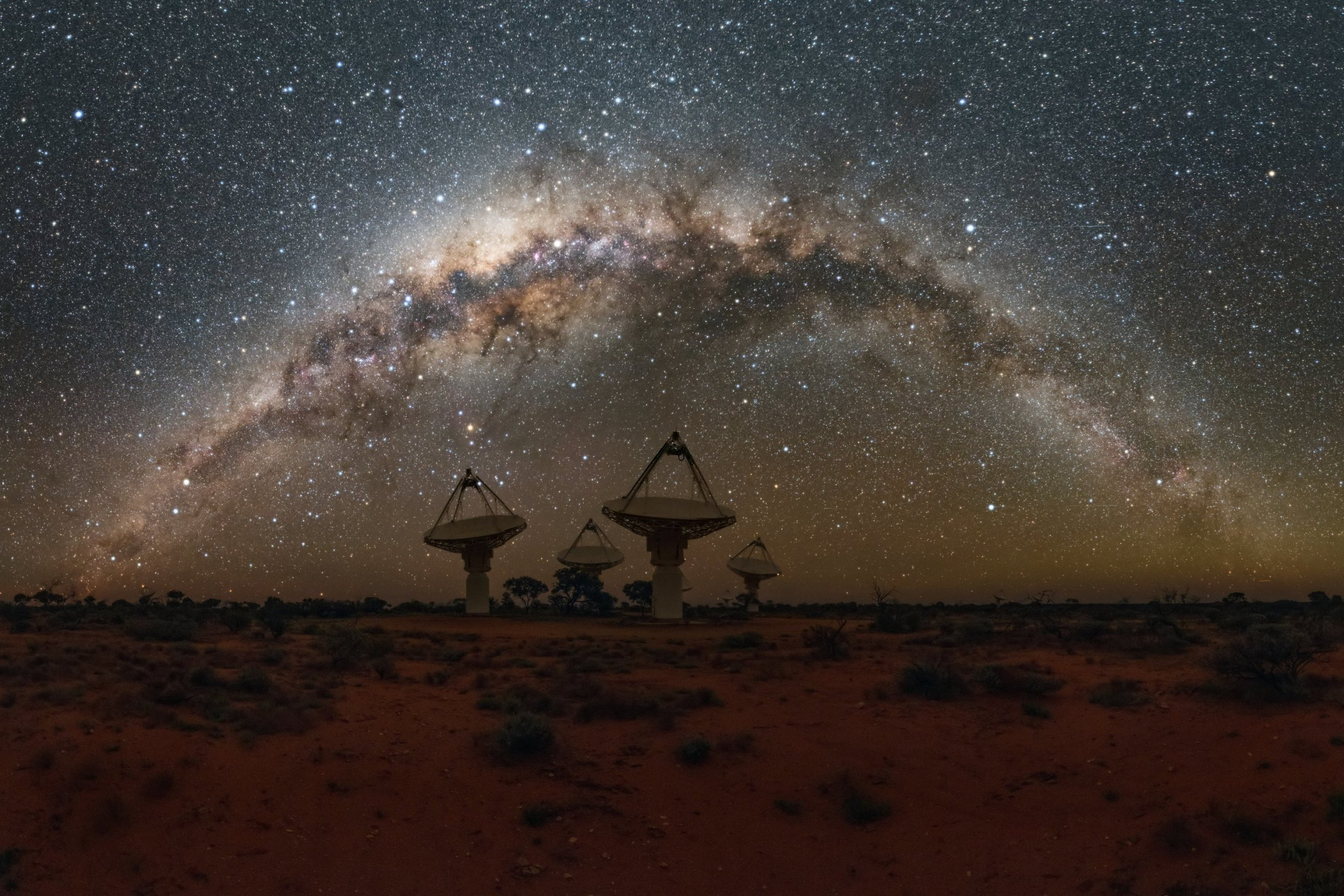 Antennas of CSIRO's Australian SKA Pathfinder with the Milky Way overhead. Credit: Alex Cherney/CSIRO Read more at: https://phys.org/news/2018-10-aussie-telescope-mysterious-fast-radio.html#jCp Science/fast radio bursts