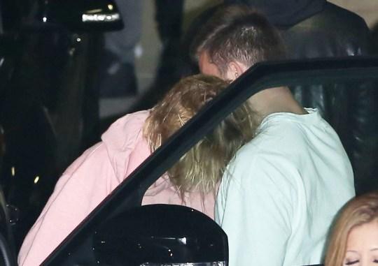 Justin bieber dating girl aus hillsong church