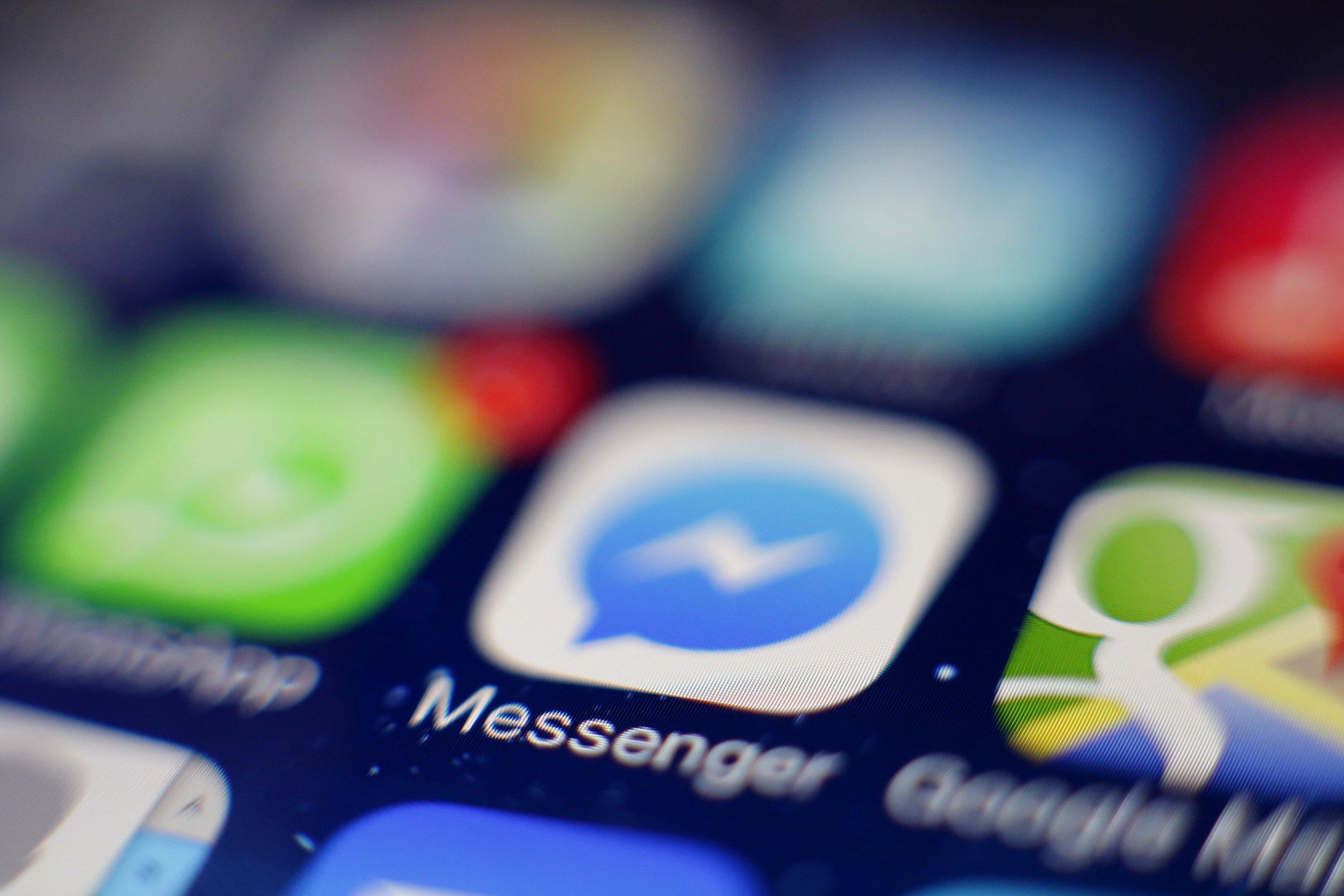 Creative / Feature: Facebook Messenger-Icon auf einem auf einem iPhone (Photo by Hoch Zwei/Corbis around Getty Images) Facebook Messenger