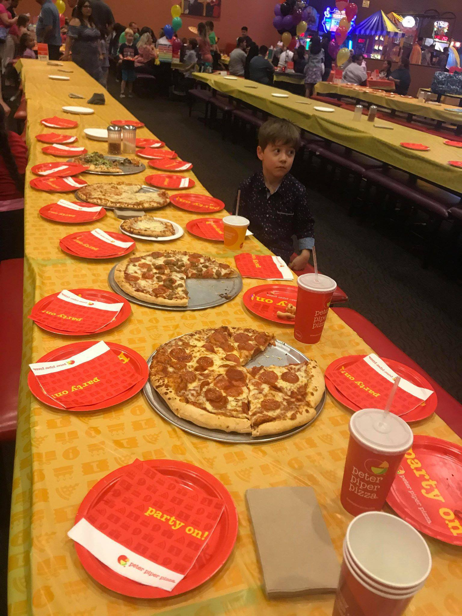 A six-year-old from Arizona has been showered with support on social media after a heartbreaking photo of him sitting alone at his birthday pizza party went viral. Teddy Mazzini invited 32 of his classmates to celebrate his birthday at a Peter Piper Pizza restaurant in Tucson on Sunday afternoon - but no one showed up.
