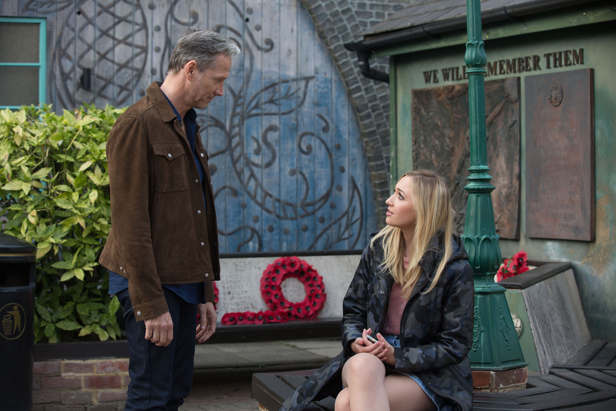 EastEnders spoilers: Ray Kelly threatens Louise Mitchell when she accuses him of making a pass
