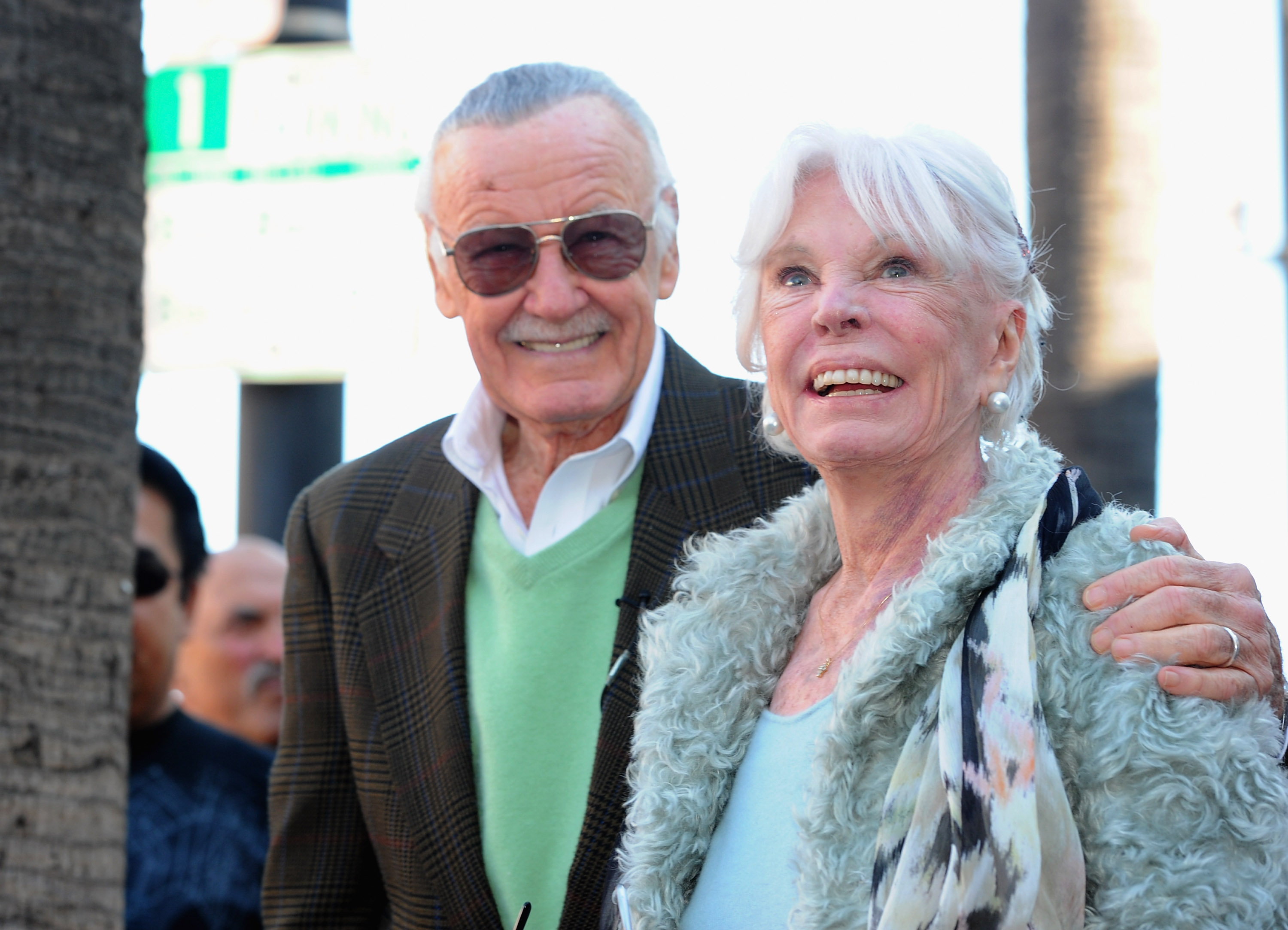 Who was Stan Lee's wife Joan Boocock and daughters Joan and Jan?