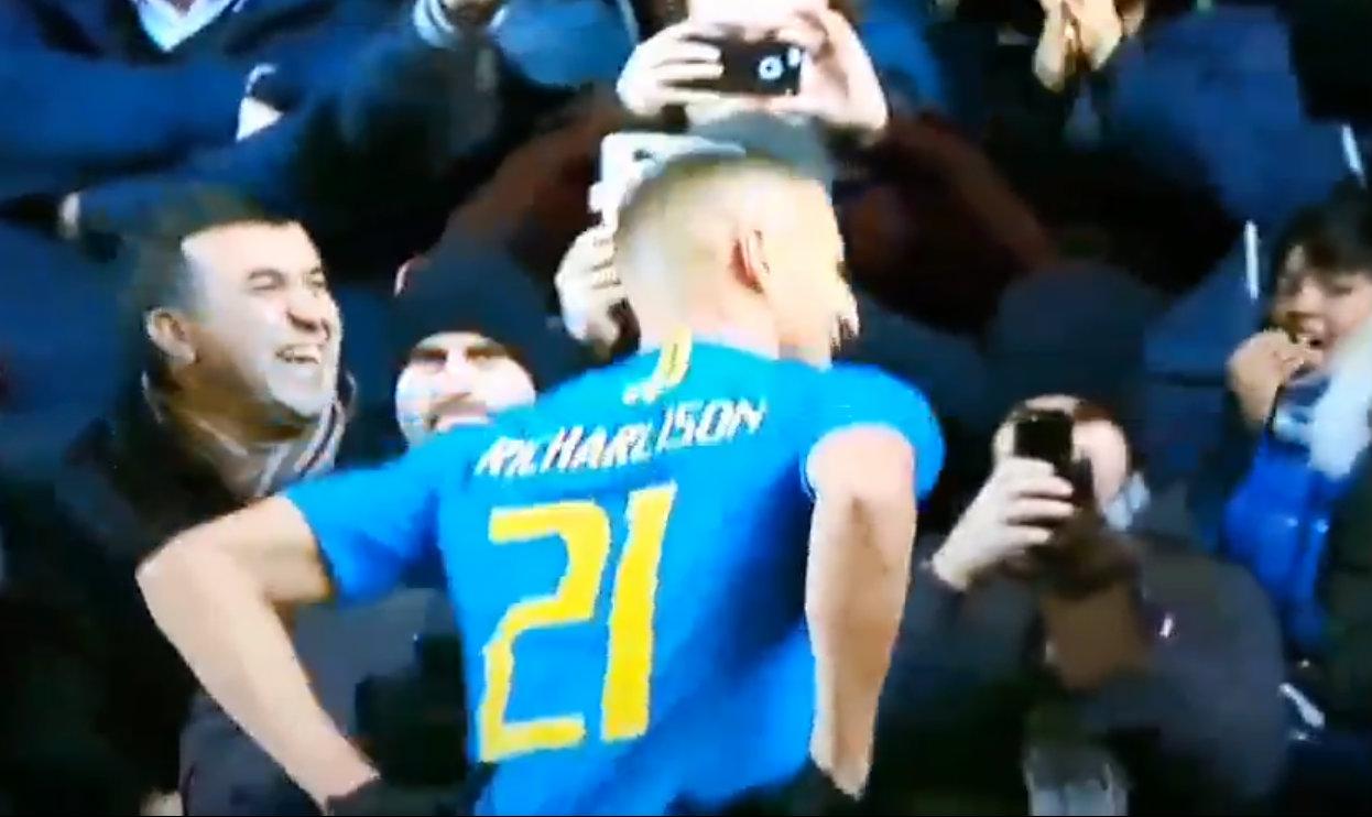 Brazilian commentator makes pigeon noises to Richarlison's celebration against Cameroon