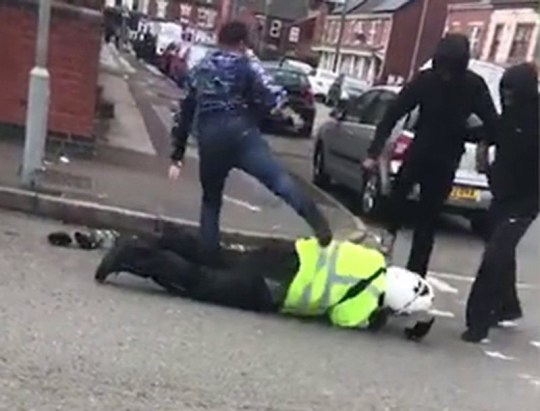 Police want to trace these five men following a violent robbery of a traffic warden in the Alum Rock area of Birmingham.Sickening violence was used in the attack, which happened between 5 and 5.30pm yesterday (14 September).The warden, who was going about his job, was dragged from his moped before being kicked and stamped on. The gang then stole his vehicle.Currently, the men numbered one, two and three in the images are being treated as suspects, while numbers four and five may have information to assist the investigation.https://www.west-midlands.police.uk/news/6555/police-release-images-after-violent-robbery-traffic-warden-alum-rock