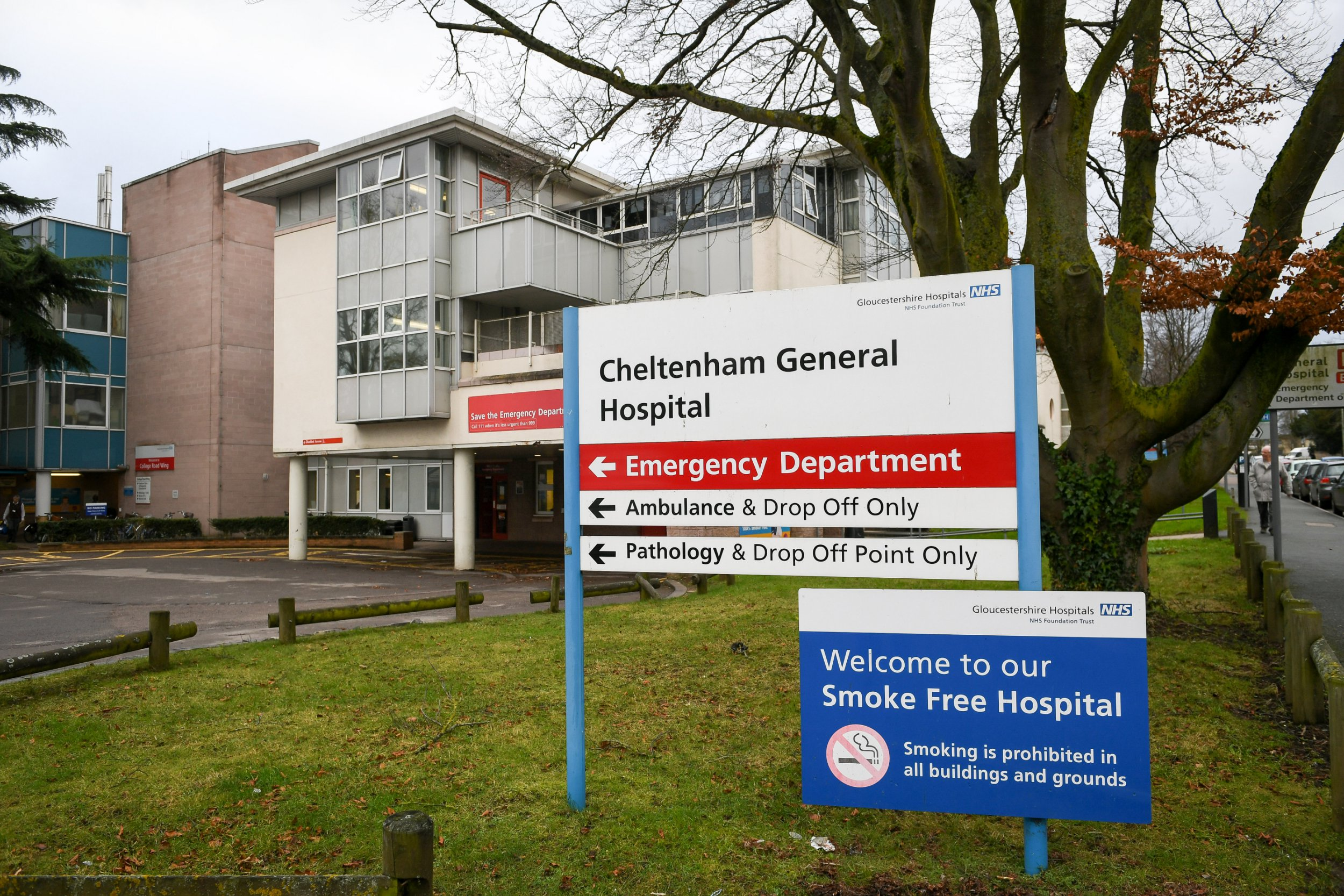 A General Hospital and Emergency Department road sign outside Cheltenham General Hospital.