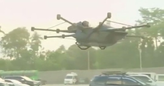 Inventor builds incredible 'flying sports car'