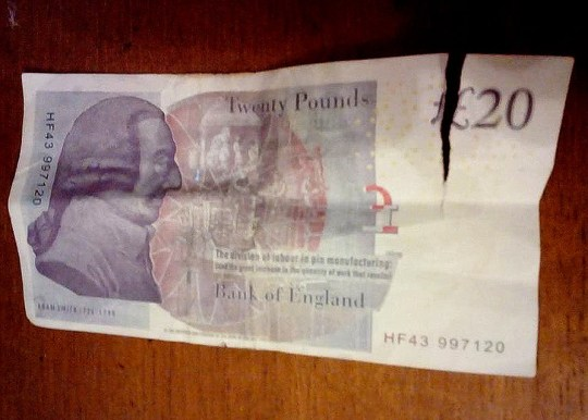 New influx of fake ?20 notes are ready for Crimbo picture: supplied (NO CREDIT) METRO.CO.UK EXCLUSIVE PICS