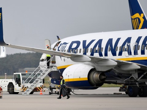 Chaos as Ryanair website crashes leaving passengers unable to check in