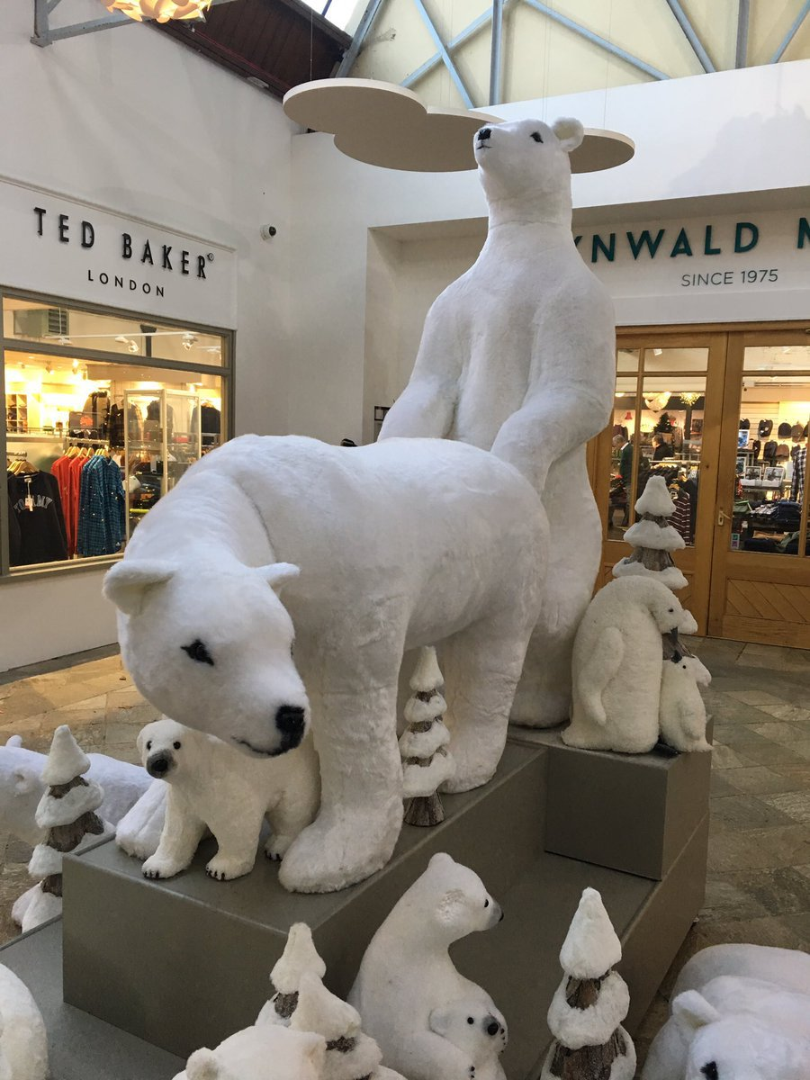 METRO GRAB VIA TWITTER NO PERMISSION Ruth Hogg ??? @MrsManxTiger Follow Follow @MrsManxTiger More Went to Tynwald Mills today and was quite amused yet disturbed by their placement of their Xmas polar bears ???????????? #merryxmas #ohmy #naughtybears #feelingthelove #frombehind #bearbehind @Laughology https://twitter.com/MrsManxTiger/status/1064224443617198081