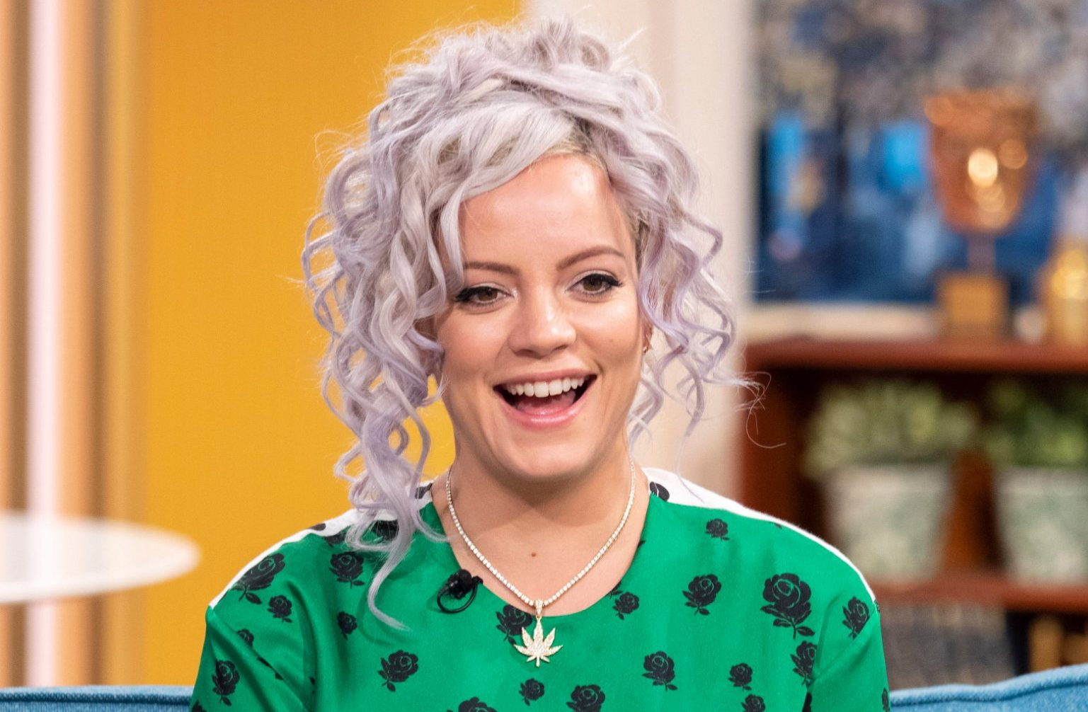 Lily Allen announces she's growing a steroid-induced beard and after falling ill on tour