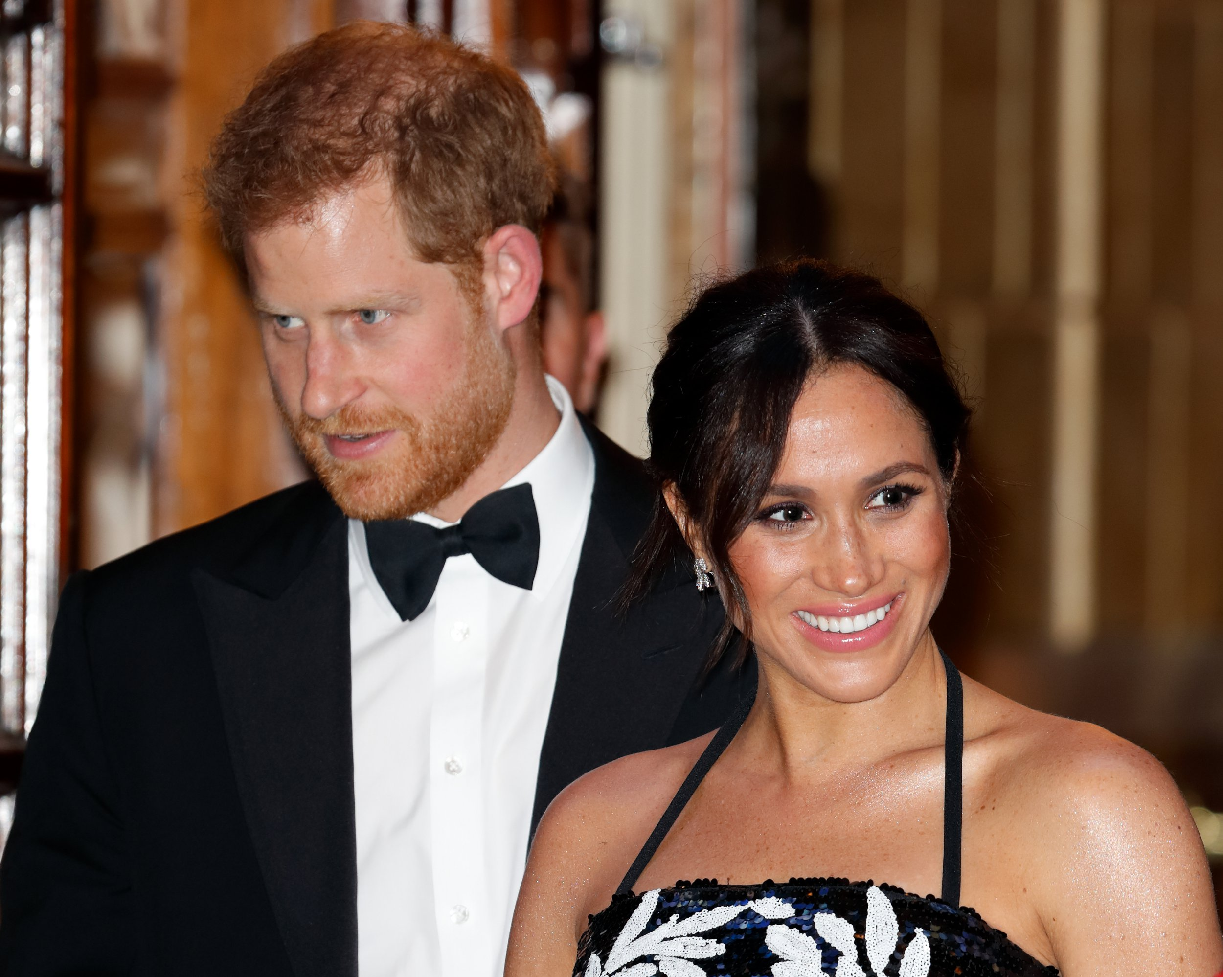 LONDON, UNITED KINGDOM - NOVEMBER 19 : (EMBARGOED FOR PUBLICATION IN UK NEWSPAPERS UNTIL 24 HOURS AFTER CREATE DATE AND TIME) Meghan, Duchess of Sussex and Prince Harry, Duke of Sussex attend The Royal Variety Performance 2018 at the London Palladium on November 19, 2018 in London, England. (Photo by Max Mumby/Indigo/Getty Images)
