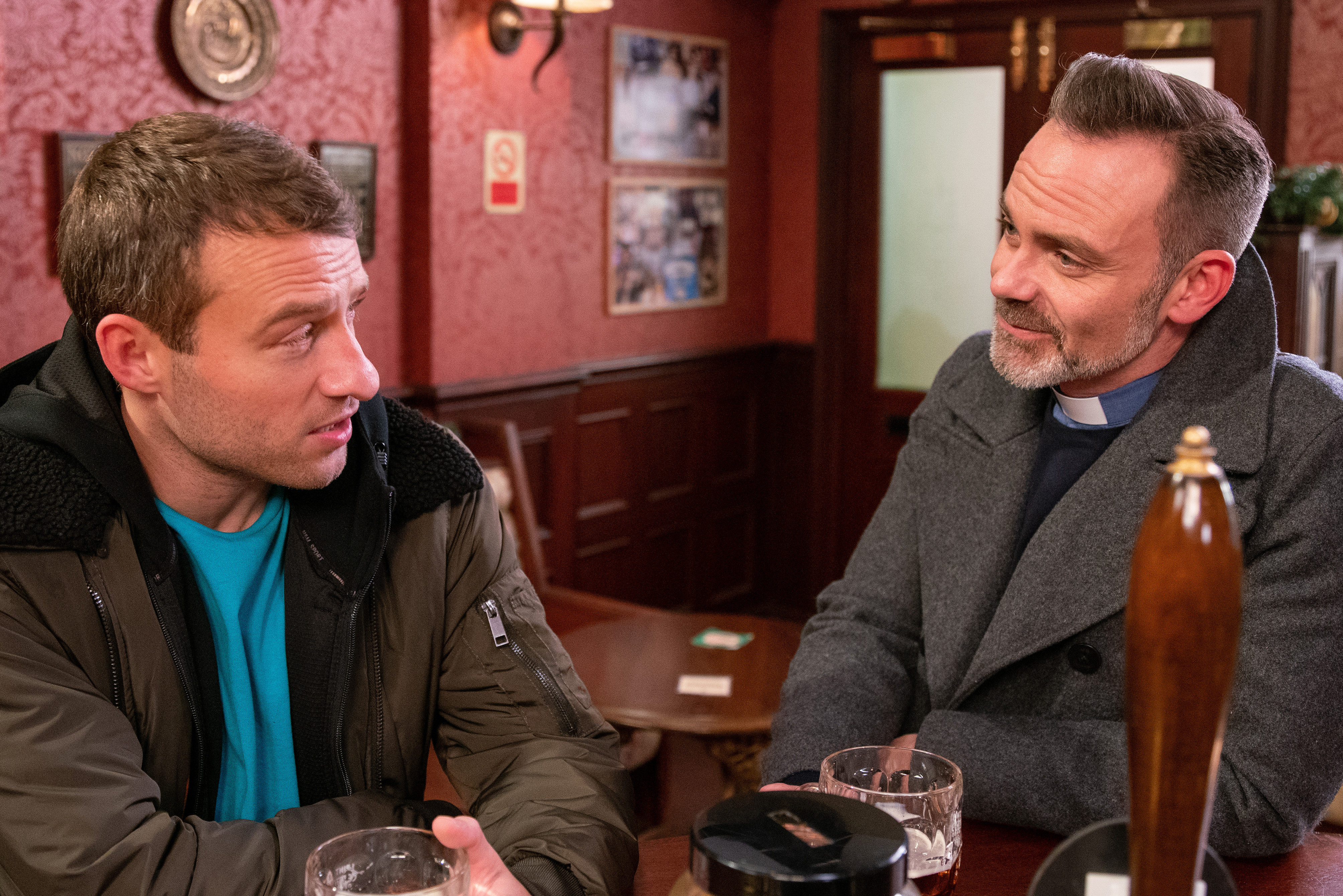 Coronation Street spoilers: Shock new love interest revealed for Billy Mayhew as he commences 'sexy' relationship