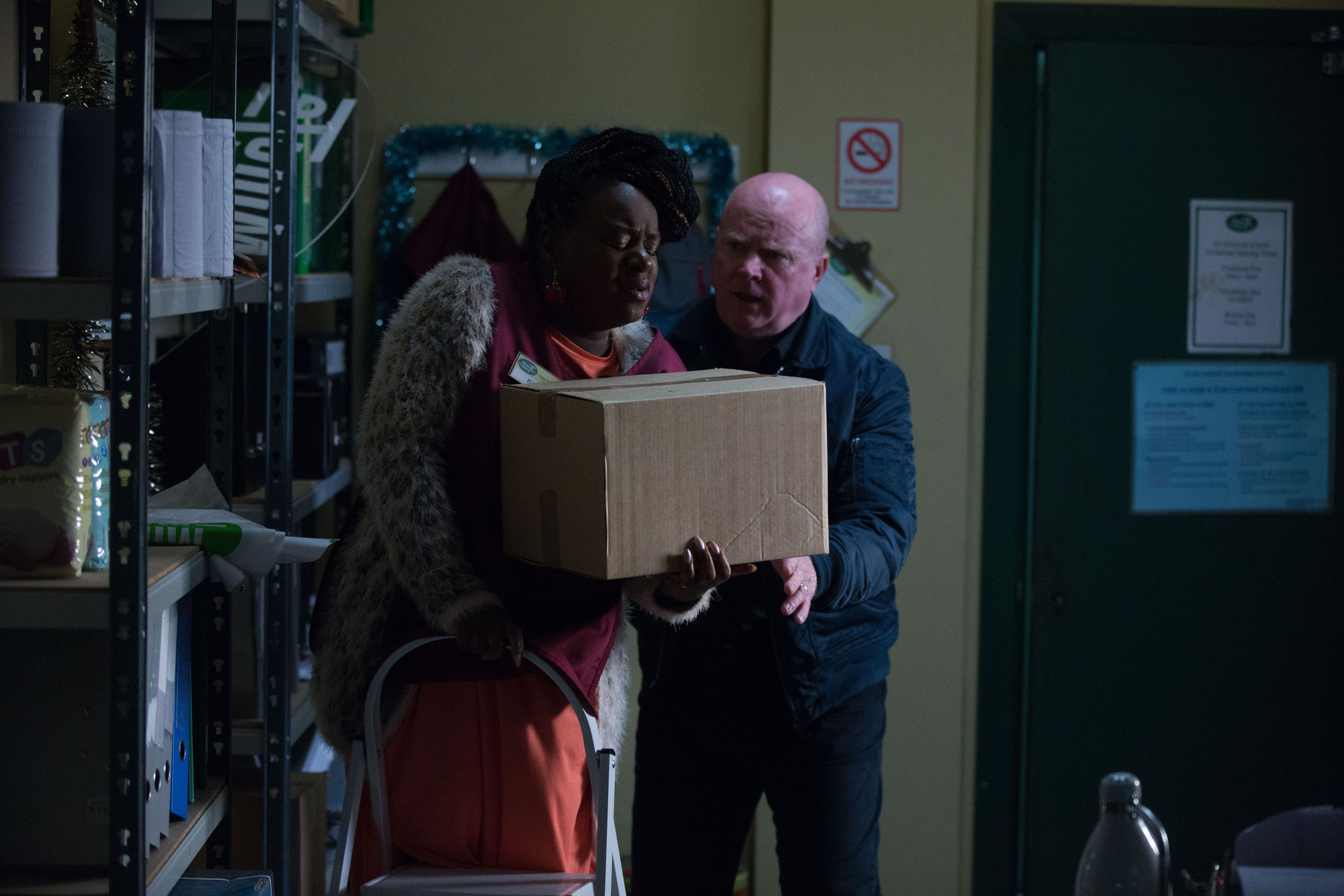EastEnders spoilers: Phil Mitchell is Kim Fox-Hubbard's midwife as she gives birth