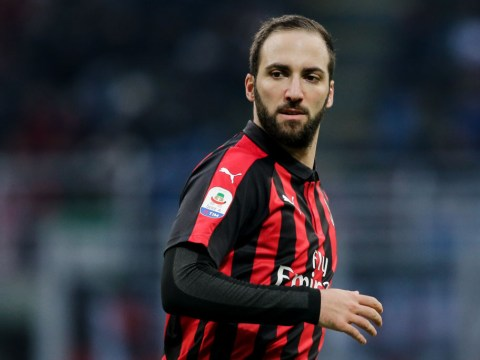 Chelsea close in on Gonzalo Higuain transfer as striker's agent arrives in London