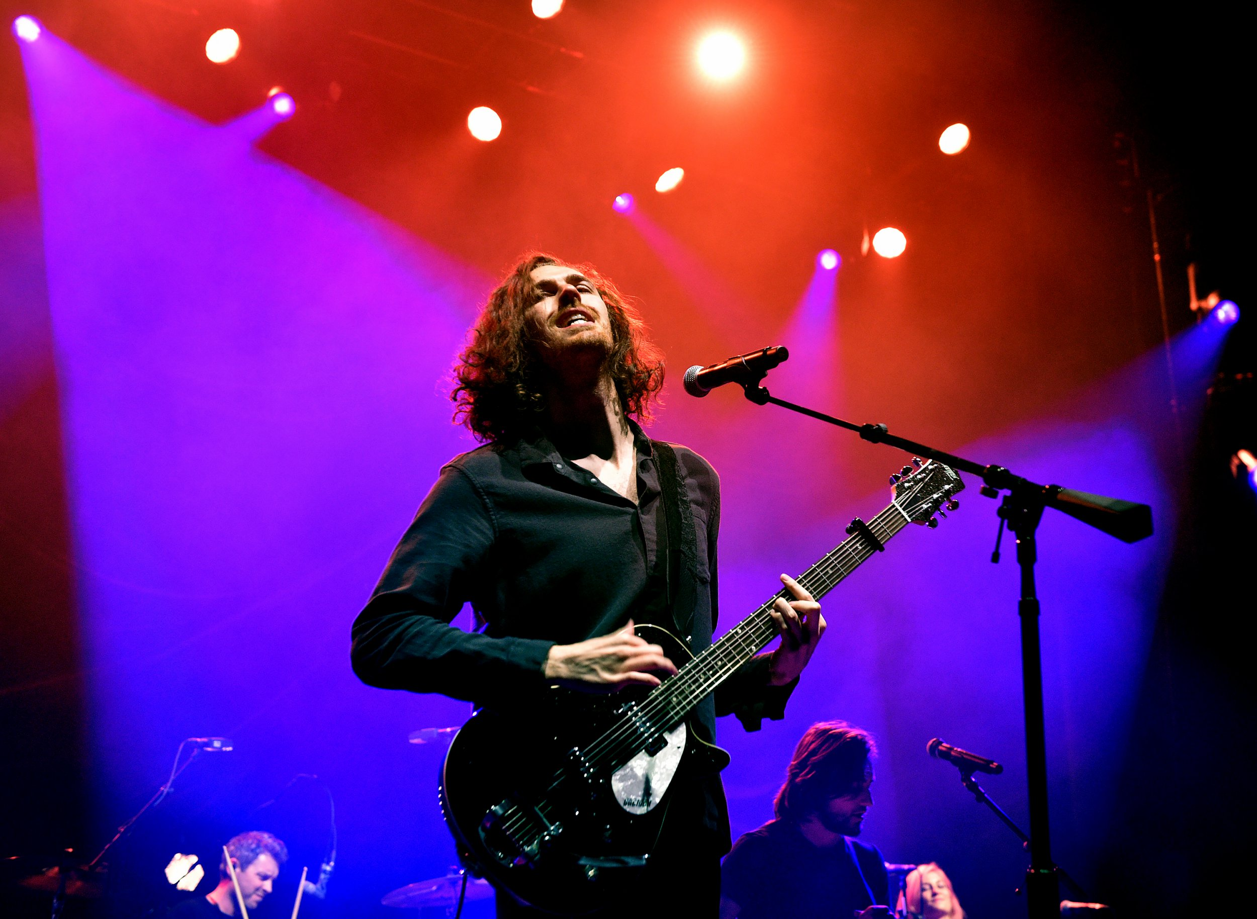 MANCHESTER, ENGLAND - DECEMBER 06: Hozier performs at O2 Apollo Manchester on December 06, 2018 in Manchester, England. (Photo by Shirlaine Forrest/WireImage)