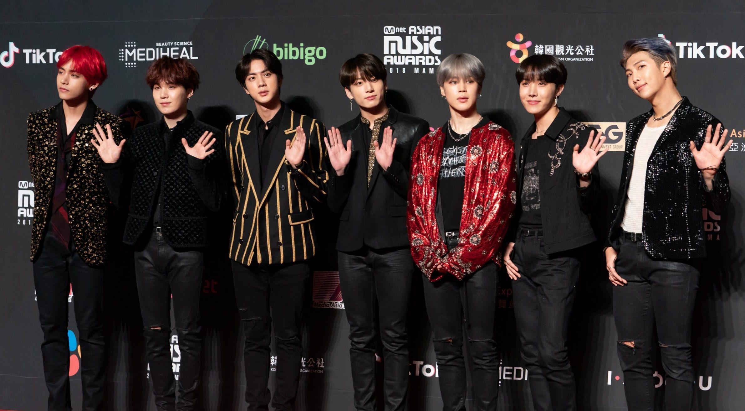 HONG KONG, HONG KONG - DECEMBER 14: V, Suga, Jin, JungKook, Jimin, J-Hope and RM of BTS attend the 2018 Mnet Music Awards in Hong Kong at AsiaWorldExpo on December 14, 2018 in Hong Kong, Hong Kong. (Photo by Anthony Kwan/Getty Images)