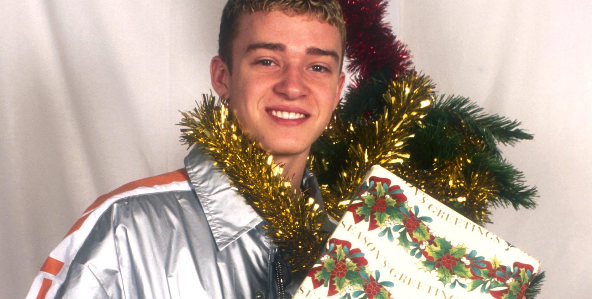 Christmas cards celebrities would rather forget – but are just too awkward not to share