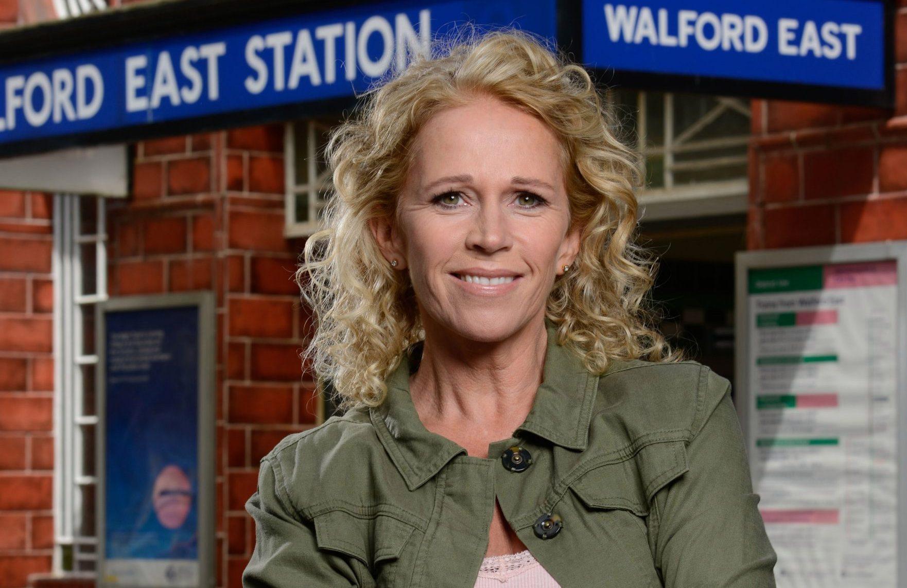 When is Lucy Benjamin returning to EastEnders as Lisa Fowler?