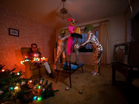 Photographer trolls mum with dark, twisted Christmas cards