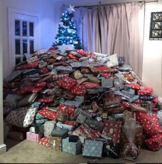 Christmas Presents.Mum Branded Selfish For Christmas Tree Hidden By Mountain