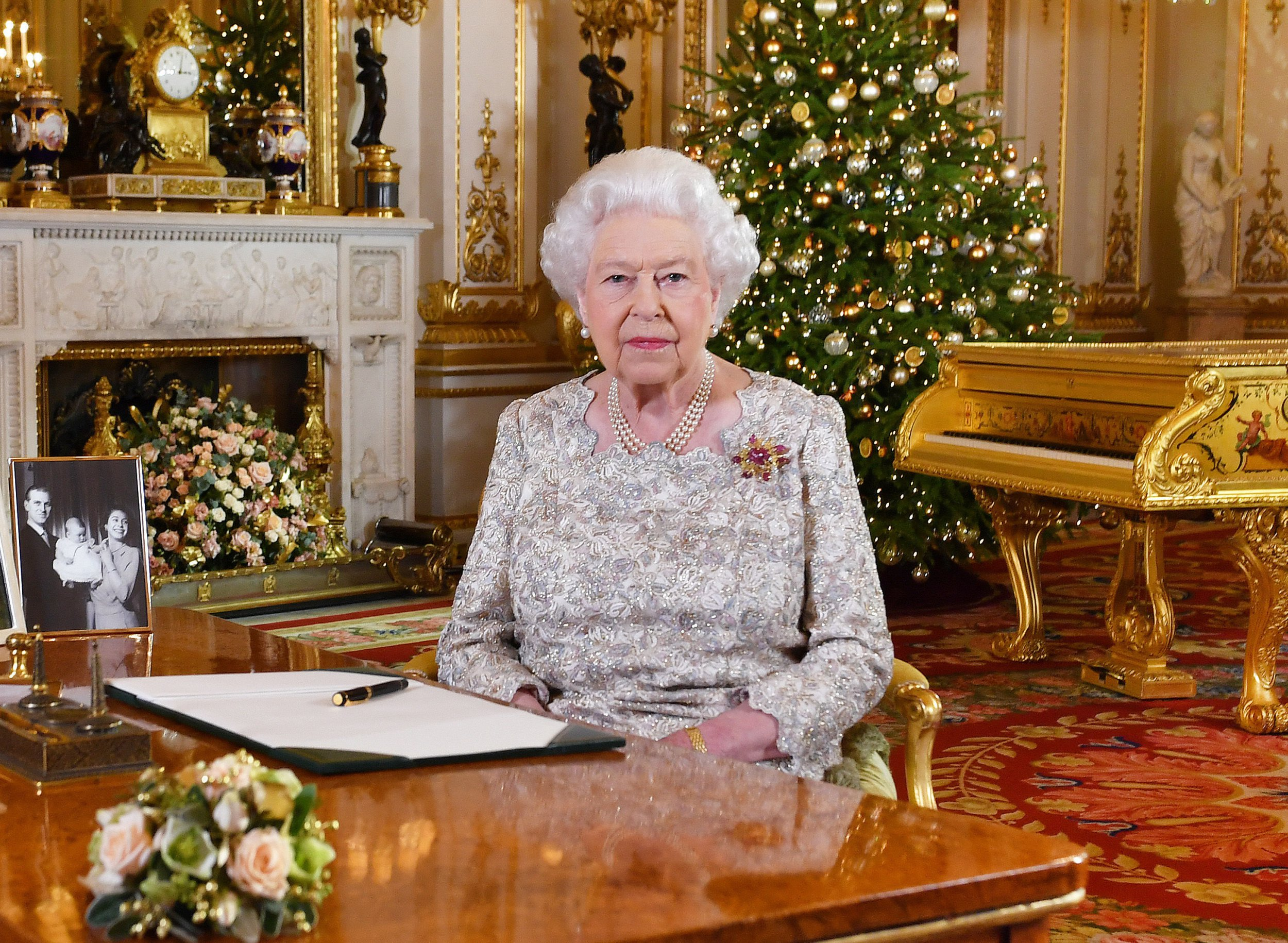 Queen pays tribute to year of centenaries and royal babies in Christmas speech