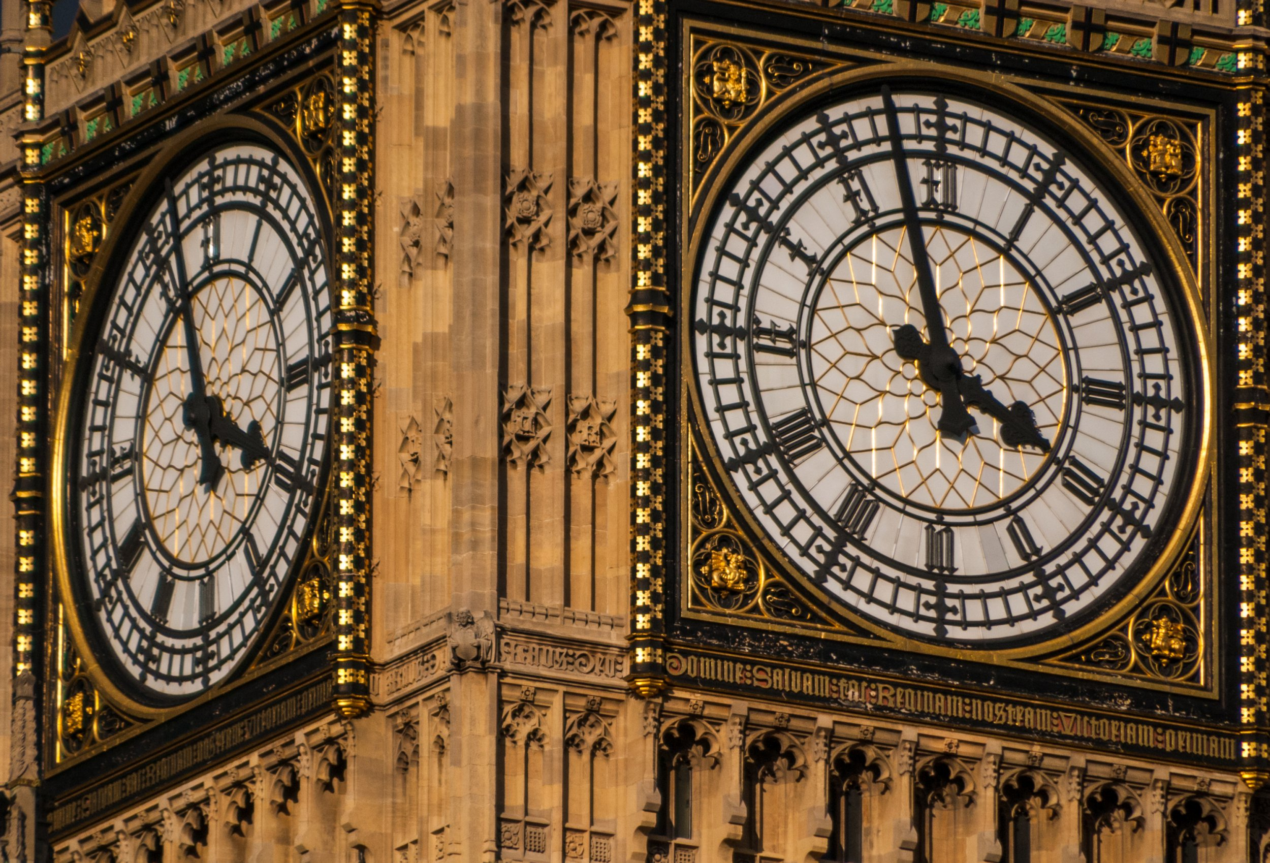 Britain set to SCRAP changing of the clocks after EU rule change ? despite Brexit The detail of large clock hands and the clock face of Big Ben can be seen in this close up