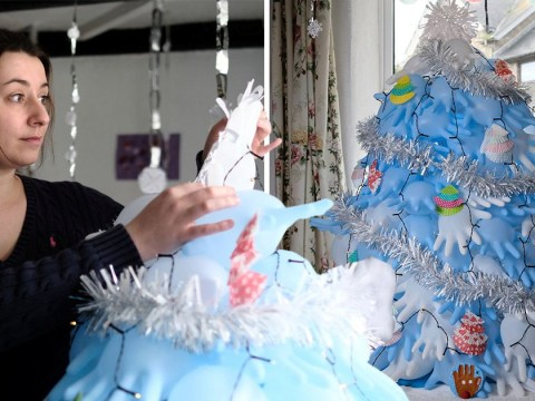 Single mum on tight Christmas budget makes £2 tree out of her medical gloves