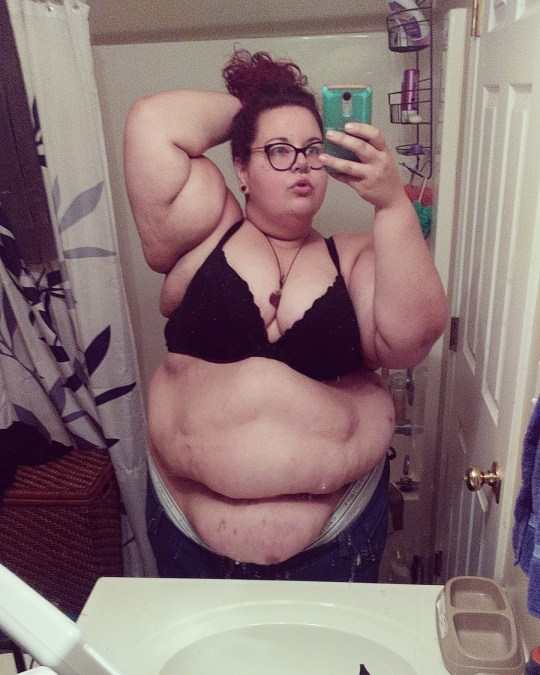 Nikki pictured embracing her body (2). MEET THE THIRTY-STONE woman who only dates skinny men because dating men her size would make sex ???difficult??? and whose skinny lover describes touching her SOFT BODY as wonderful and the sex as EXPLOSIVE. Merchant advisor, Nikki Baker (28), from Ohio, USA, grew up as ???fat??? her entire life which has subjected her to being teased by her peers. The years of being bullied has left her with thick skin and after being scouted by a modelling photographer in 2009, she decided to embrace her body with pride. She has since discovered many positive traits that have increased her confidence, particularly regarding her love life. At 30st and a UK size 32 to 34, she insists that she prefers to date skinny men, as being with a man of her build would limit her sex life. She has been casually dating a man called Brandon Noland, who admits that their sex life is ???explosive???, and he was initially attracted to Nikki for her confidence. MDWfeatures / Nikki Baker