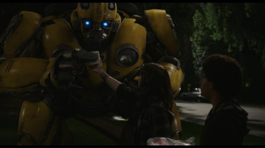 Hailee Steinfeld teaches Bumblebee how to teepee in adorable sneak peek at Transformer prequel exclusive