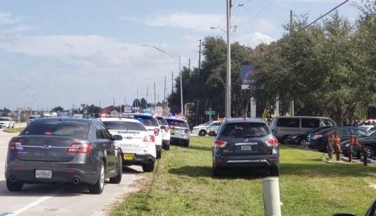 At least five killed after gunman, 21, shoots up Florida bank then