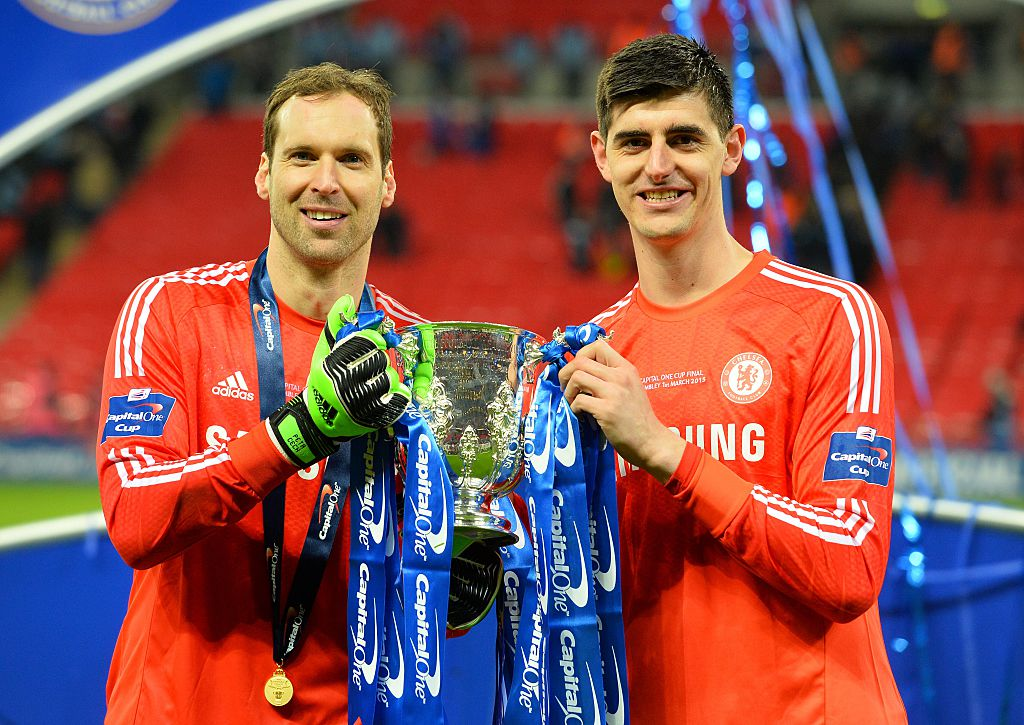 Thibaut Courtois ‏sends message to Petr Cech as Arsenal goalkeeper announces retirement