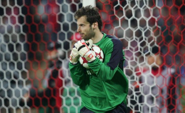 c10515a524b Chelsea plan to offer coaching role to Petr Cech after Arsenal goalkeeper  confirms retirement plans