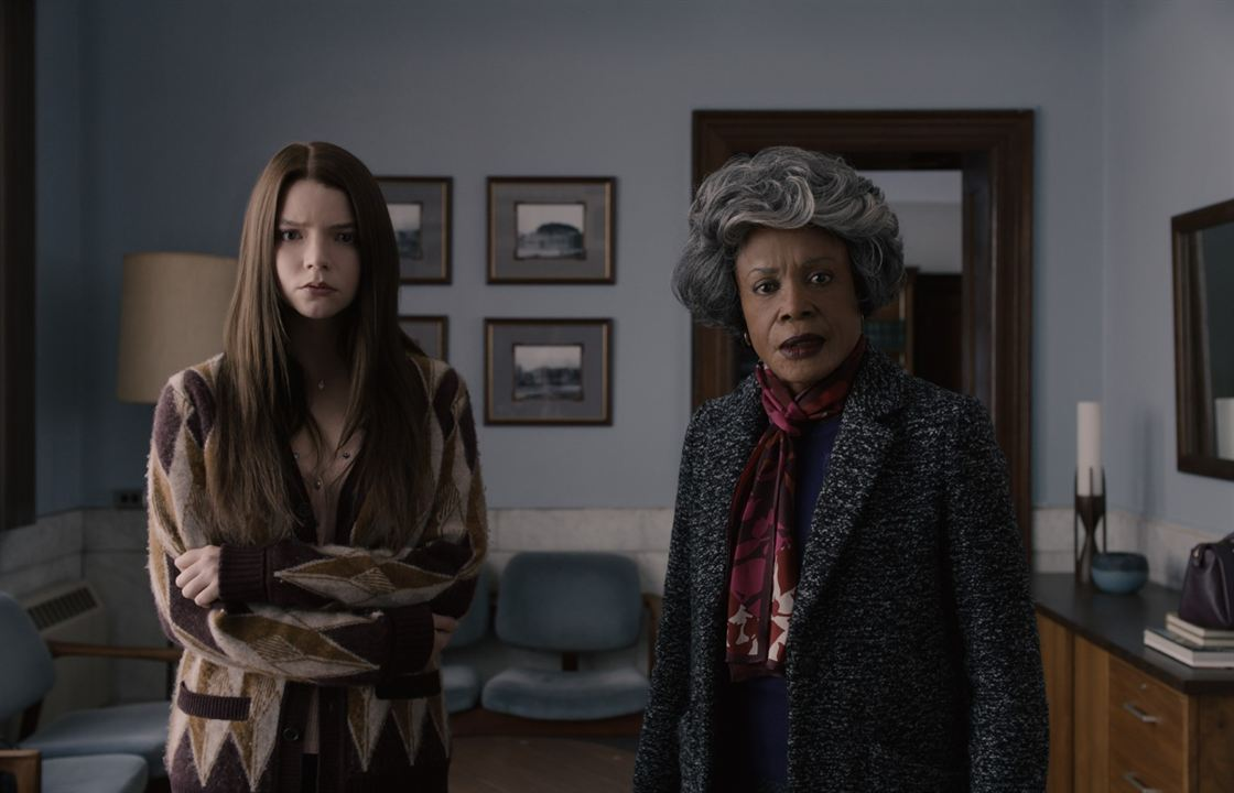 Actress playing Samuel L. Jackson's mother in Glass is five years younger than him