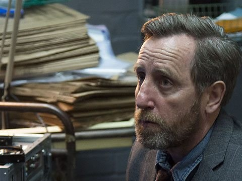 Luther fans kick off as Benny actor Michael Smiley retweets major spoilers for final episode