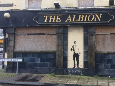 Has Banksy really left his mark on this 'pub from hell' in Grimsby?