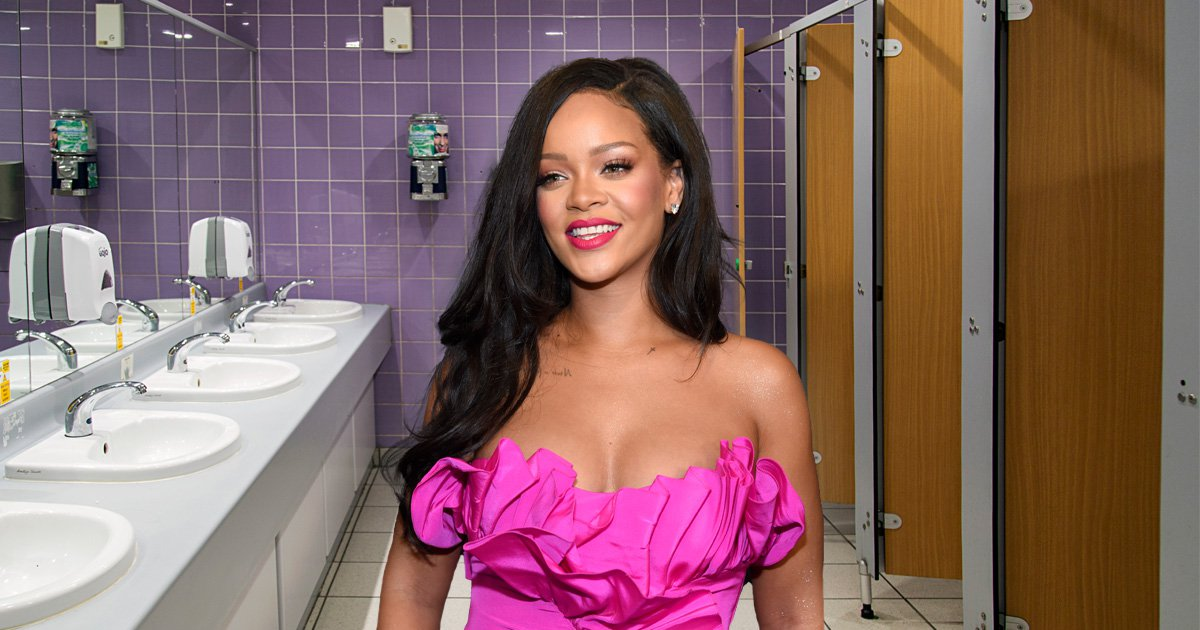 Rihanna proves she's a 'real woman's woman' in viral Twitter story about using a public bathroom and it's a wild ride