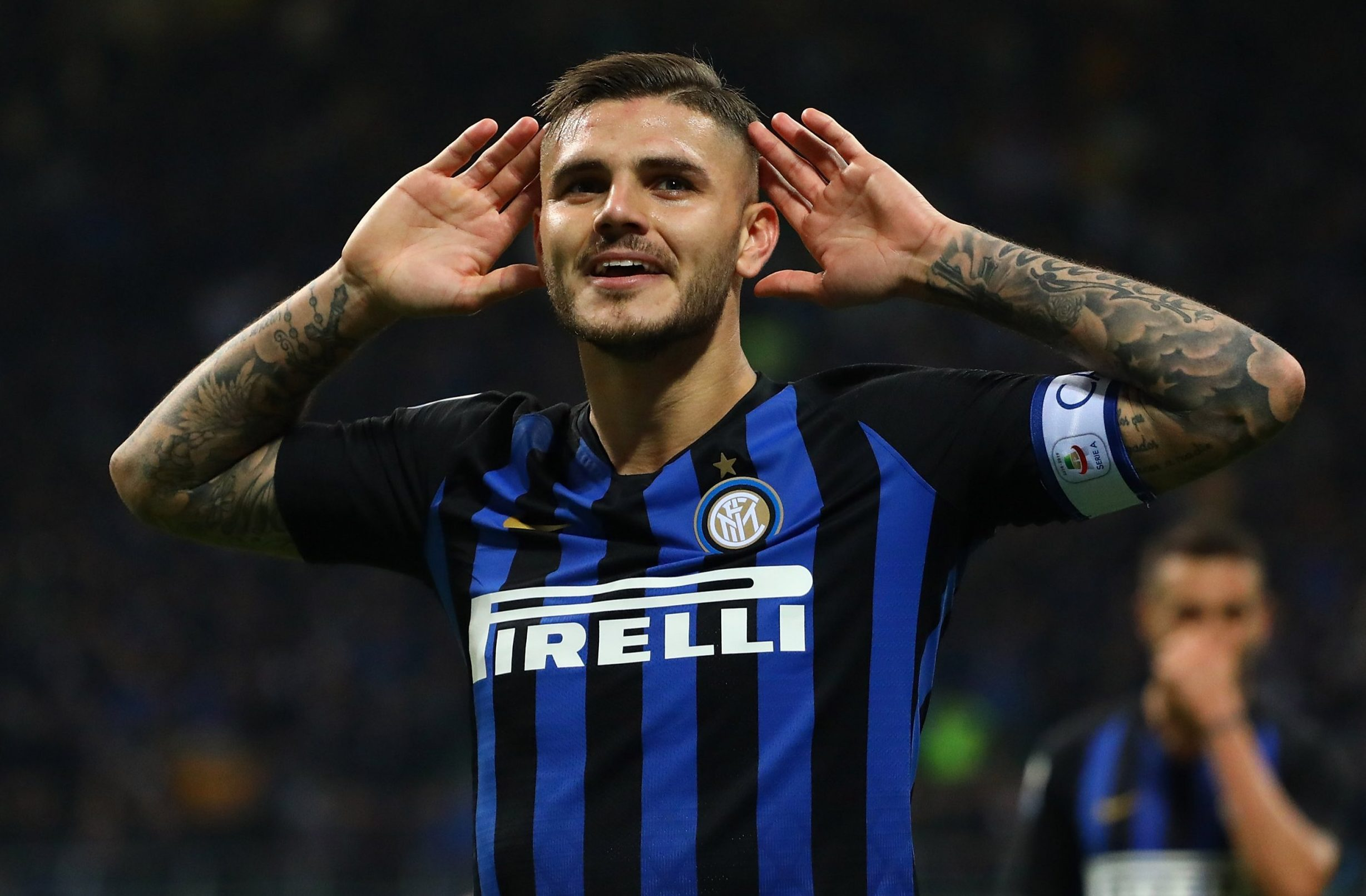 MILAN, ITALY - OCTOBER 21: Mauro Icardi of FC Internazionale celebrates after scoring the opening goal during the Serie A match between FC Internazionale and AC Milan at Stadio Giuseppe Meazza on October 21, 2018 in Milan, Italy. (Photo by Marco Luzzani - Inter/Inter via Getty Images)