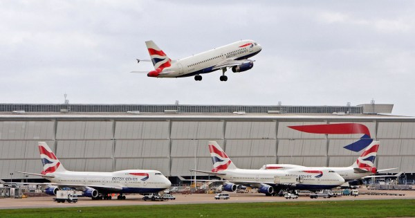LONDON - MAY 18: A British Airways plane takes off from Heathrow Airport on May 18, 2006 in London, England. British Airways will announce their Q4 and year end results tomorrow. (Photo by Scott Barbour/Getty Images)