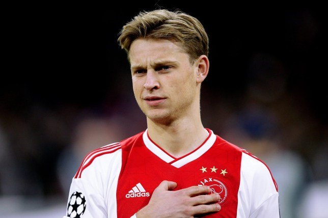 AMSTERDAM, NETHERLANDS - DECEMBER 12: Frenkie de Jong of Ajax during the UEFA Champions League match between Ajax v Bayern Munchen at the Johan Cruijff Arena on December 12, 2018 in Amsterdam Netherlands (Photo by Peter Lous/Soccrates/Getty Images)