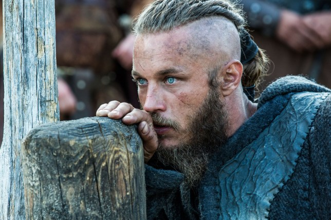 The battle begins between Ragnar and King Horik's forces against Jarl Borg. Borg is joined by Rollo, and this Viking clash pits brother against brother. Director: Ciaran Donnelly (as Ciar??n Donnelly) Writers: Michael Hirst (creator), Michael Hirst Stars: Travis Fimmel, Katheryn Winnick, Clive Standen
