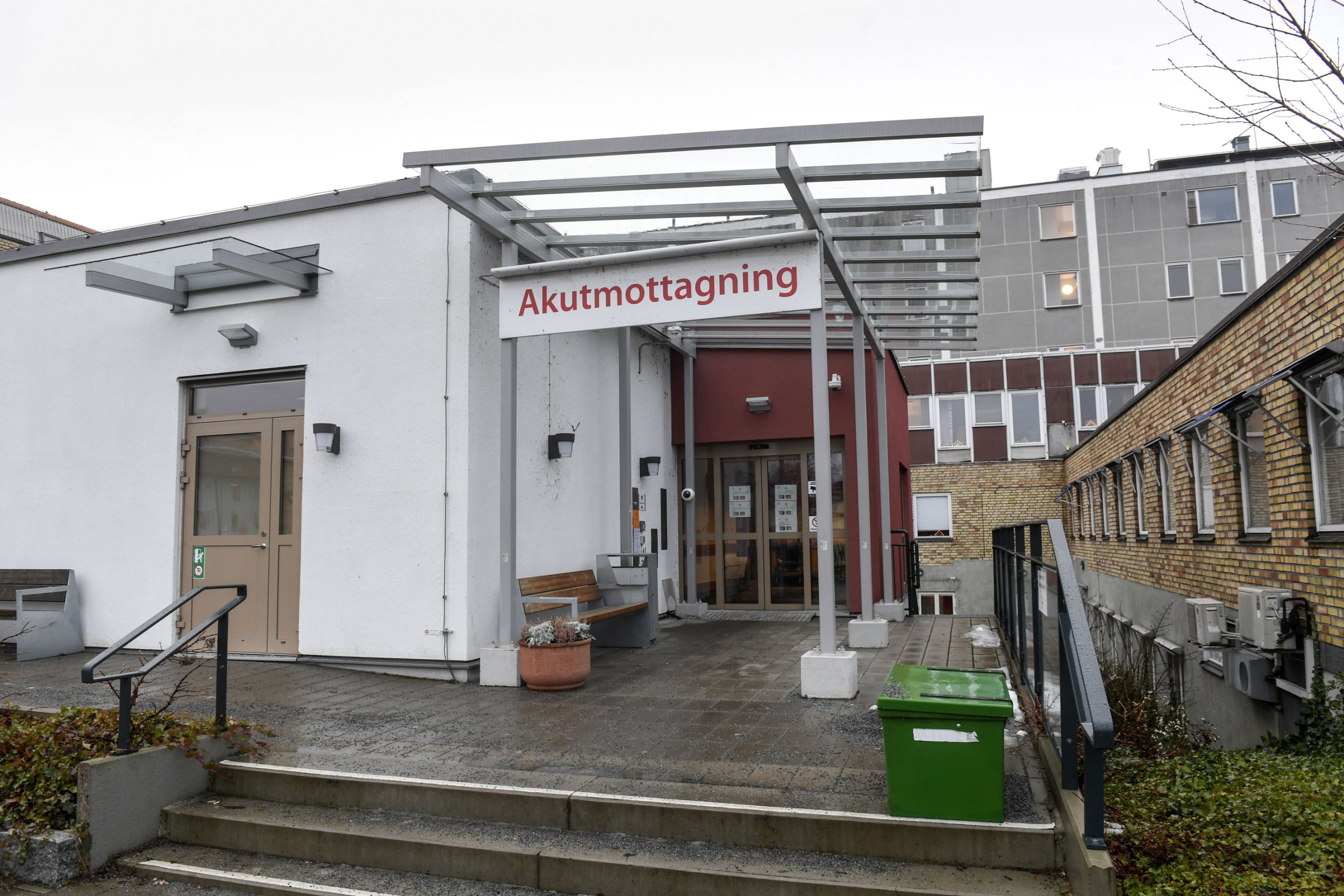 The emergency department of the hospital in Enk??ping, Sweden, is pictured on January 4, 2019, as it has received a case of suspected Ebola, according to health care officials. - The patient was first admitted to hospital in Enkoping after being treated now in Uppsala University Hospital. The emergency room in Enkoping has now been closed, and staff who came in contact with the patient are being cared for, a statement said. Ebola is a highly infectious and potentially fatal disease. (Photo by Fredrik SANDBERG / TT News Agency / AFP) / Sweden OUT (Photo credit should read FREDRIK SANDBERG/AFP/Getty Images)