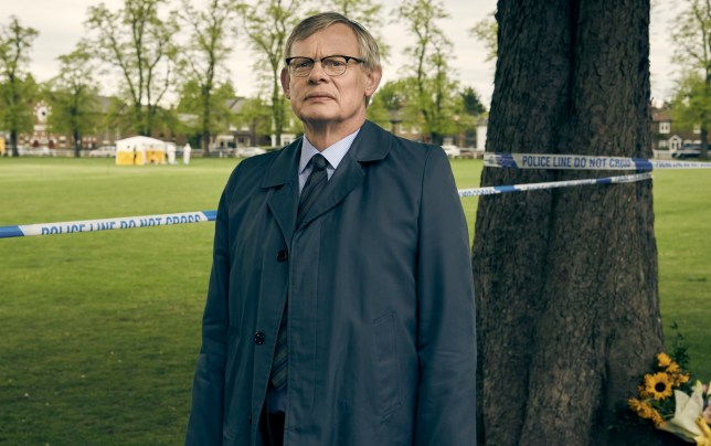 BUFFALO PICTURE FOR ITV MANHUNT EPISODE 1 Pictured: Martin Clunes as DCI Colin Sutton. Photographer: Neil Genower. This photograph must not be syndicated to any other company, publication or website, or permanently archived, without the express written permission of ITV Picture Desk. Full Terms and conditions are available on www.itv.com/presscentre/itvpictures/terms For further information please contact: Patrick.smith@itv.com 0207 1573044