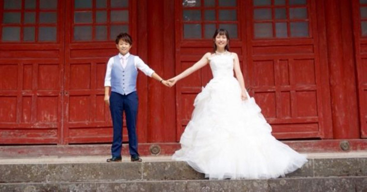 Japanese lesbian couple take 'wedding' pics in 26 countries where gay marriage is legal