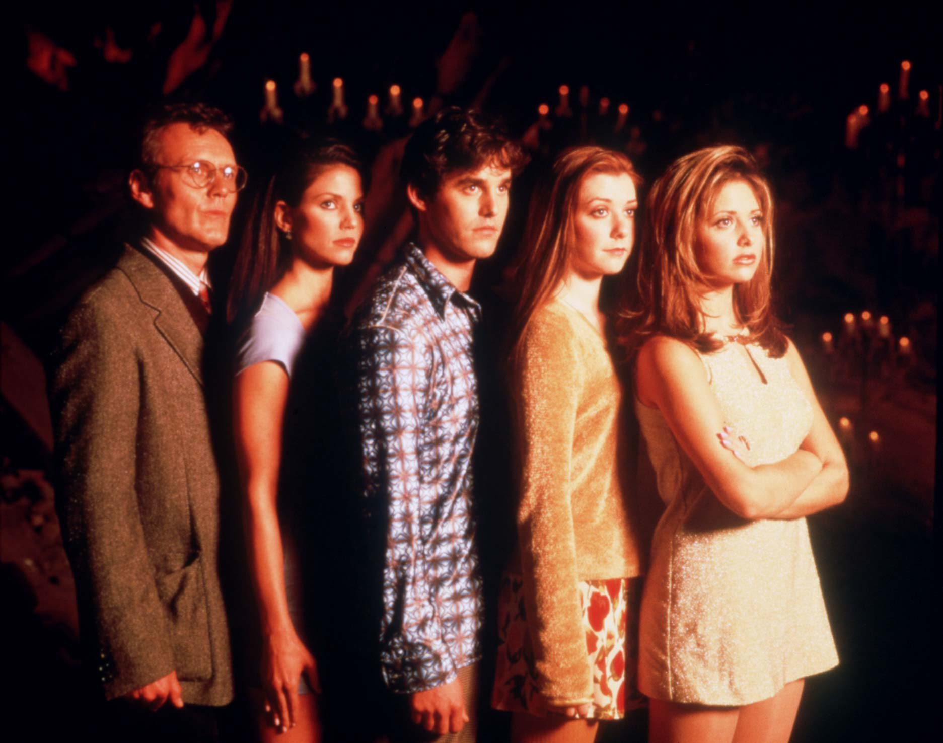 BUFFY THE VAMPIRE SLAYER CAST (L TO R) ANTHONY STEWART HEAD, CHARISMA CARPENTER, NICHOLAS BRENDON, ALYSON HANNIGAN AND SARAH MICHELLE GELLAR. (C) SKY ONE